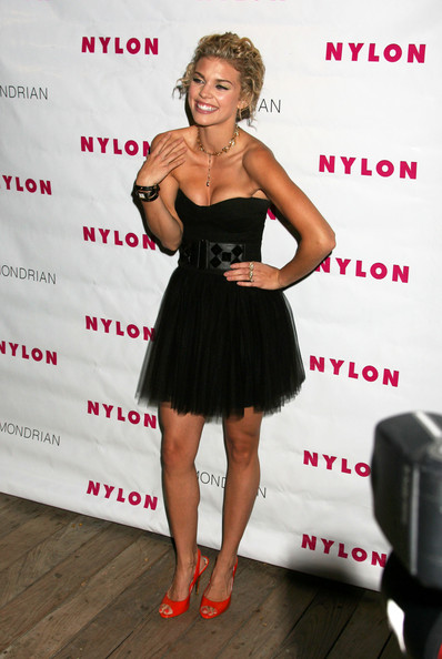 AnnaLynne McCord Accessories