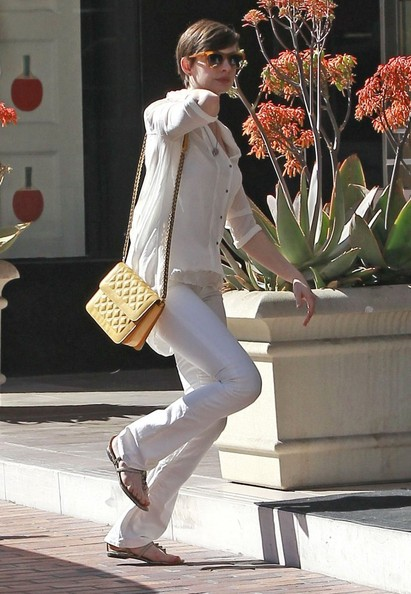 Anne Hathaway Out in LA