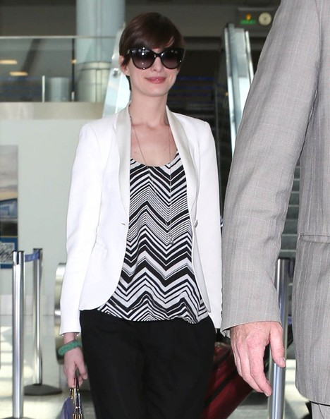 More Pics of Anne Hathaway Slacks (5 of 5) - Anne Hathaway Lookbook - StyleBistro