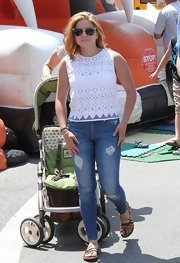 Ariel Winter chose a pair of skinny jeans to keep her lace top on the casual side.