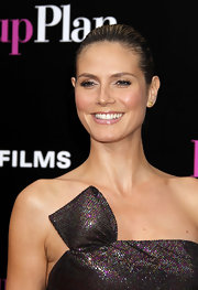 Heidi dazzled the LA 'Back-Up Plan' premiere in these topaz stud earrings. Lovely!