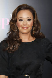 Actress Leah Remini showed her support for her good friend Jennifer Lopez at her movie premiere. She showed off her medium cascading curls.