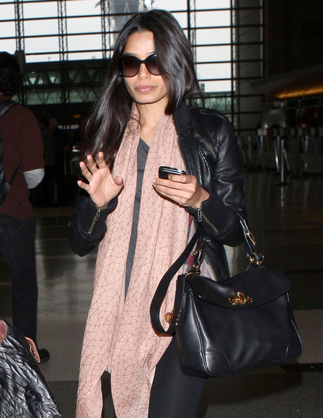 More Pics of Freida Pinto Patterned Scarf (1 of 9) - Freida Pinto Lookbook - StyleBistro