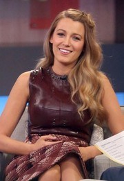 Blake Lively wore her hair in loose waves while making an appearance on 'Good Morning America.'