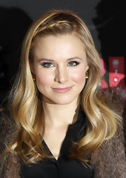 Kristen Bell completed her long flowing look with an accent braid that was pinned to the side.