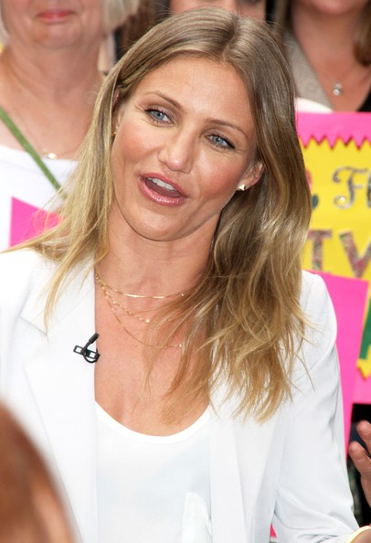 More Pics Of Cameron Diaz Layered Gold Necklace 6 Of 14