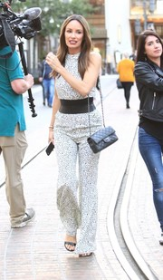 Catt Sadler styled her outfit with the iconic Chanel quilted leather bag.