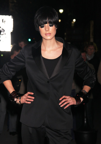 More Pics of Agyness Deyn Bowl Cut (1 of 10) - Agyness Deyn Lookbook - StyleBistro