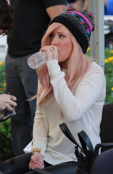 More Pics of Ellie Goulding Pompom Beanie (17 of 33) - Ellie Goulding Lookbook - StyleBistro