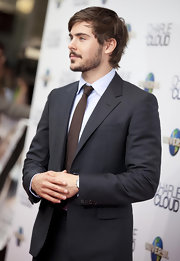 Zac Efron wore his hair in a short messy cut, but donned a sharp suit and tie to dress up for the premiere.