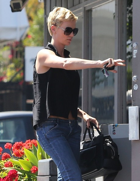 More Pics of Charlize Theron Capri Jeans (2 of 9) - Charlize Theron Lookbook - StyleBistro
