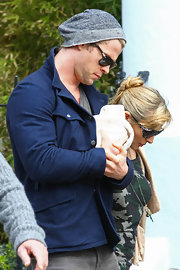 Chris Hemsworth was being very paternal in this charcoal beanie.