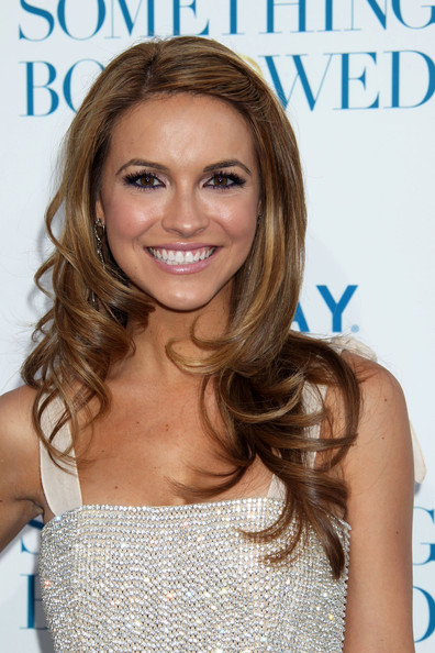 Chrishell Stause Long Wavy Cut []