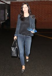 Courteney Cox showed off her fit figure with these fitted skinny jeans.