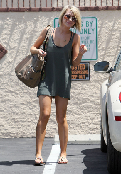 More Pics of Chelsea Kane Flat Sandals (1 of 5) - Chelsea Kane Lookbook - StyleBistro