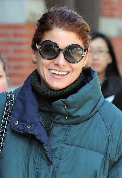 Debra Messing Round Sunglasses