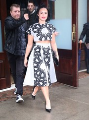 Demi Lovato made matchy-matchy look so cool with this printed skirt and crop-top combo.