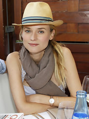 Barely there pink lipgloss was the perfect addition to Diane Kruger's almost all natural look.