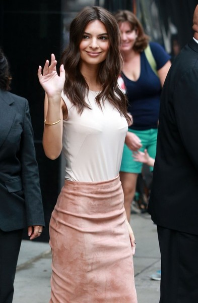 Emily Ratajkowski Bangle Bracelet []