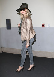 Fergie was totally, well, Fergalicious in these shiny metallic pumps.