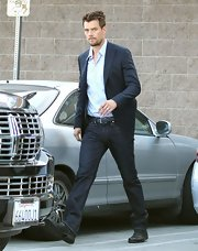 Josh Duhamel chose a pair of classic dark jeans for his look while heading out for a night out with Fergie.
