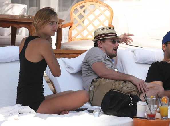 Leonardo DiCaprio looked all set for a relaxing day in his casual outfit and straw hat.