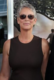 Jamie Lee Curtis' classic aviators were perfect for an LA movie premiere.