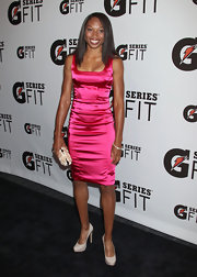 A hot pink dress in a simple silhouette was a smart red carpet choice.
