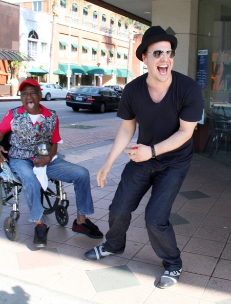 More Pics of Gavin Degraw Classic Jeans (1 of 8) - Gavin Degraw Lookbook - StyleBistro