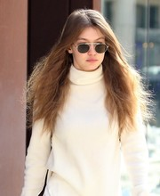 Gigi Hadid kept her eyes hidden behind a pair of oval shades by Garrett Leight while strolling in New York City.