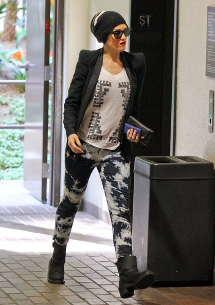 More Pics of Gwen Stefani Skinny Jeans (1 of 9) - Skinny Jeans Lookbook - StyleBistro