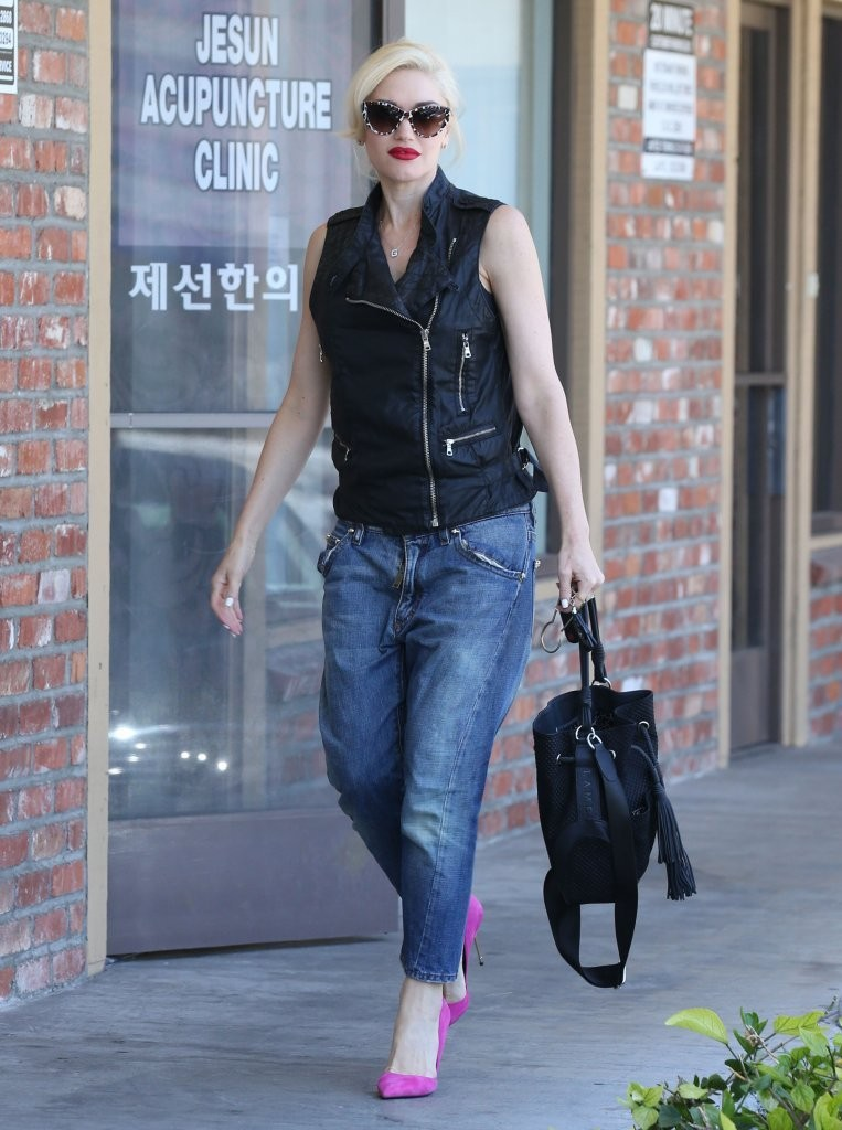Gwen Stefani Visits an Acupuncture Studio