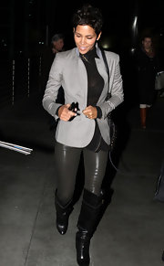 Halle Berry looked so sharp in this light gray blazer for her outing in Hollywood.