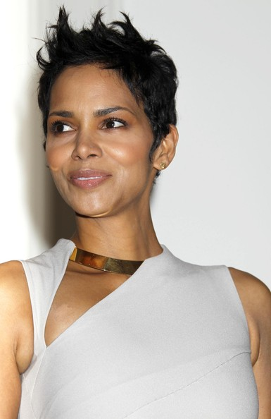 Halle Berry Spiked Hair []