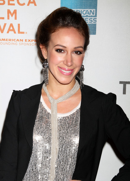 Haylie Duff Dangling Chain Earrings