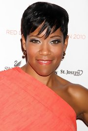 Regina King sported a cool pixie with choppy bangs when she attended the Heart Truth Red Dress fashion show.