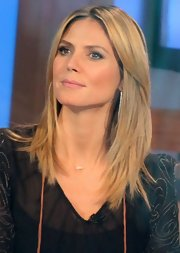 Heidi wore her hair sleek, parted down the center, and straightened for a visit on 'Good Morning America.'