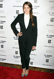 Shailene Woodley looked sophisticated at the Gotham Film Awards in a chic black pantsuit.
