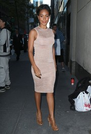 Sticking to a neutral palette, Jada Pinkett Smith teamed her dress with Gianvito Rossi peep-toe pumps.