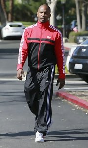 Jamie Foxx sported the super casual look with these athletic pants.