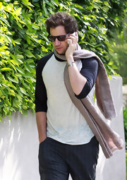 Jamie Kennedy looked very comfy cool in his laidback raglan T-shirt while walking around in Santa Monica.
