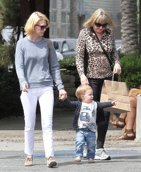 More Pics of January Jones Skinny Jeans (5 of 68) - January Jones Lookbook - StyleBistro