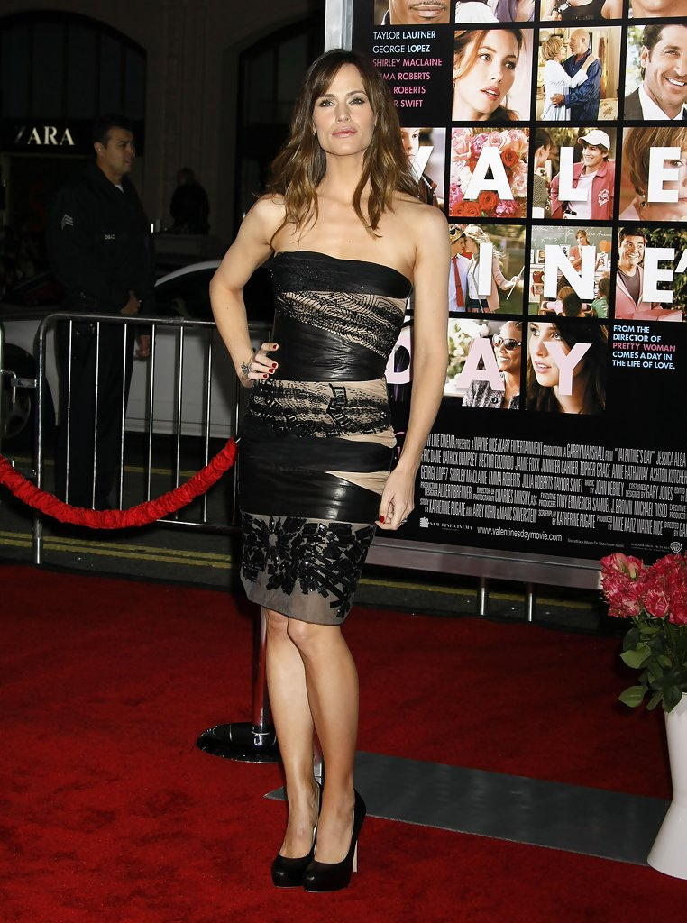 Jennifer Garner Pumps Jennifer Garner Heels Looks