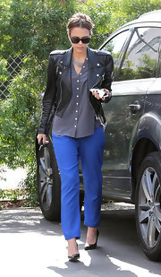 Jessica Alba's pointy-toe pumps were a sleek contrast to her edgy black motorcycle jacket and loose-fitting blouse.