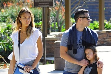 Jessica Alba Honor Warren Jessica Alba & Family At Coldwater Park