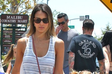 Jessica Alba Honor Warren Jessica Alba and Family Out Shopping in Malibu