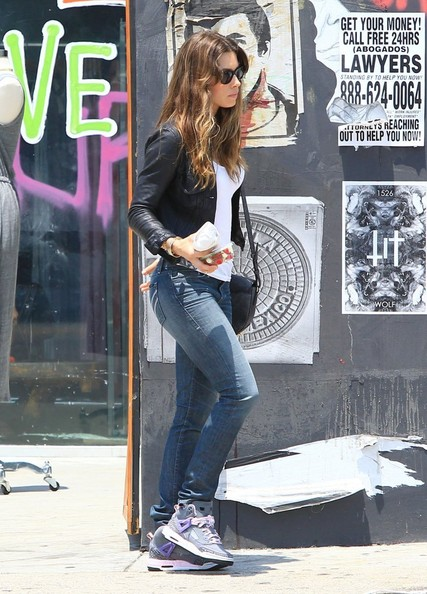 More Pics of Jessica Biel Leather Jacket (1 of 20) - Jessica Biel Lookbook - StyleBistro