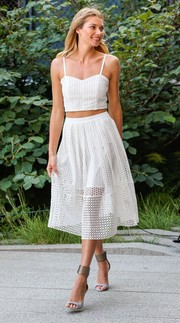 Jessica Hart showed us how to rock the crop-top trend the ultra-feminine way with this white eyelet cami.