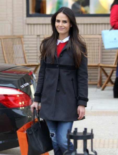 Jordana Brewster Goes Christmas Shopping
