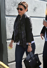 A patterned scarf added some flair to Julia Louis-Dreyfus' casual lunch get-up.